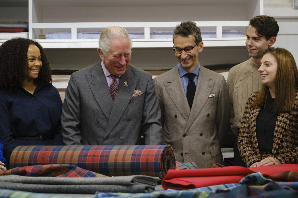 El príncipe Carlos y Mr Porter unen fuerzas para crear una línea de ropa masculina ecológica