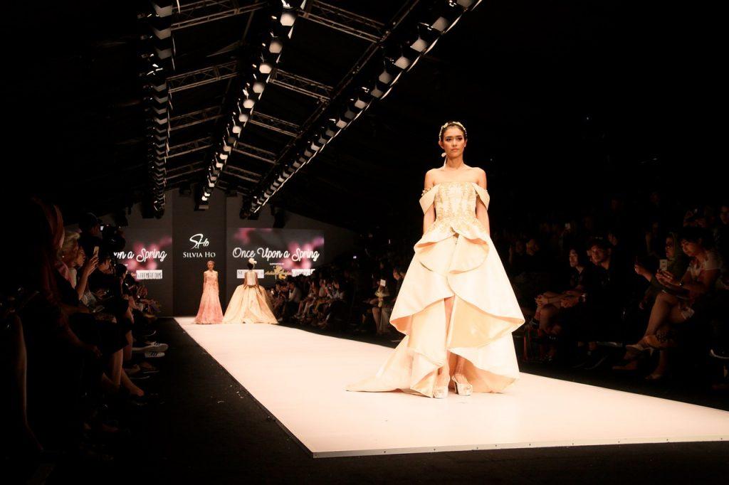 5 tendencias de moda que nos dejó Londres 2021
