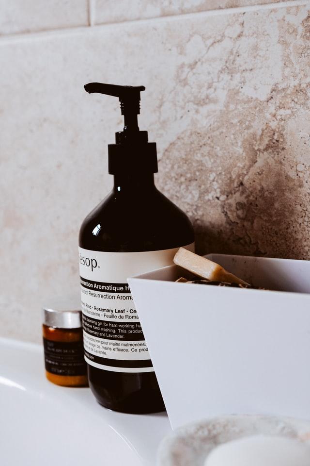 Todo sobre el jabón en barra vs el jabón líquido